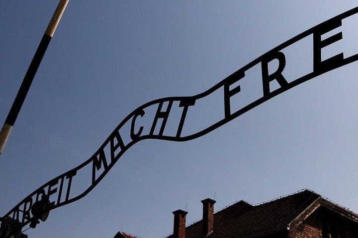 Besök Auschwitz