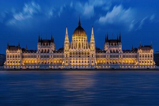 Skolresor till Budapest - slottet vid floden